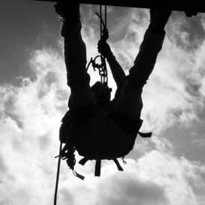 Formación de rescate, salvamento vertical