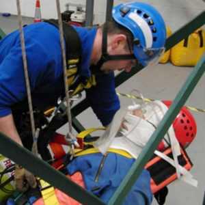 Primeros auxilios en trabajos verticales