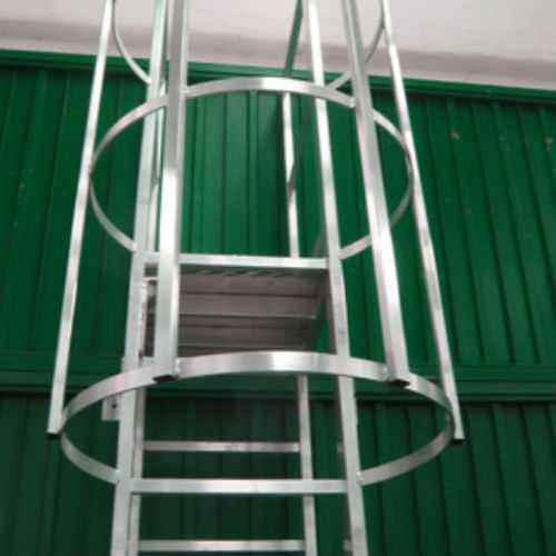 Escaleras met licas industriales tipo gato 14122 4 for Escalera de 5 metros