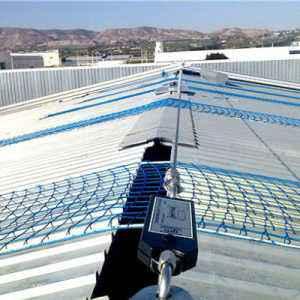 Protección de tragaluces con redes anticaída
