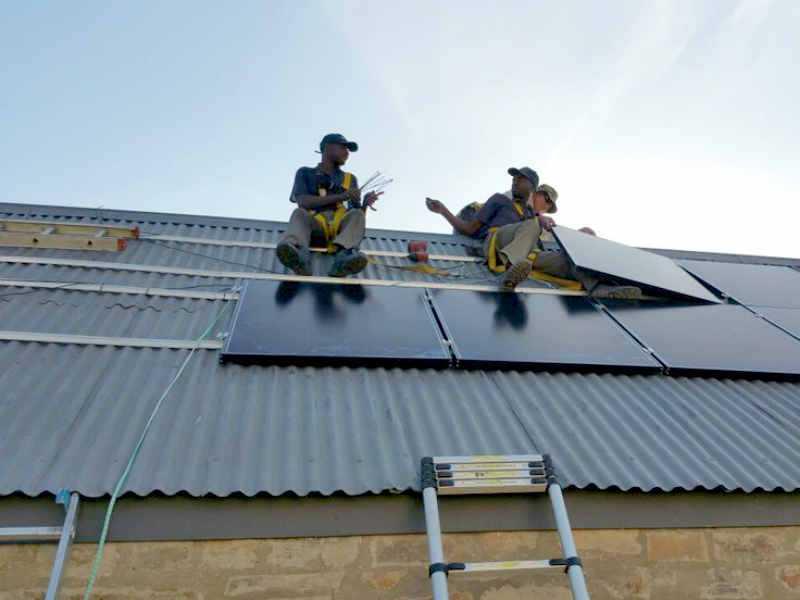 Instalacion de placas solares: Riesgos de caída y seguridad