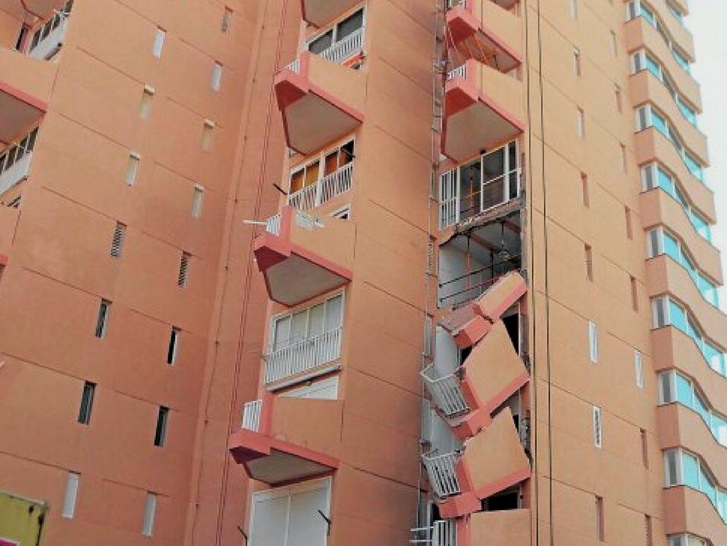 balcones manga murcia caida