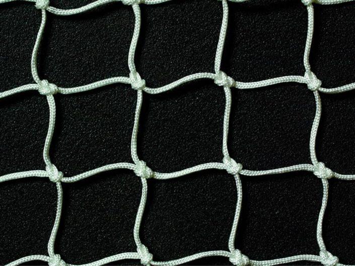 Redes deportivas para fútbol, tenis, cubrimientos de zonas de juegos, pádel, etc.