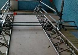 Estructuras metalicas de andamio en Piscina