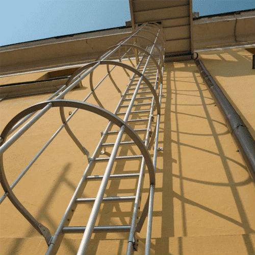 Escaleras para acceder cubiertas y tejados